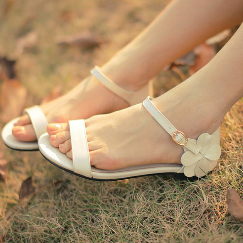 White Sandals Jazzbeer